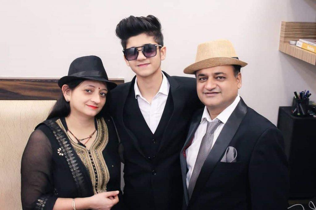 Tarun Kinra Family